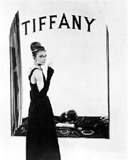 AUDREY HEPBURN AS HOLLY GOLIGHTLY FROM BREAK 8x10 Photo classic photo 170368