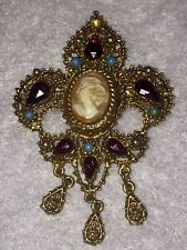 VINTAGE FLORENZA SHELL CAMEO GOLD TONE REGAL PIN BROOCH - Ruby Red & Turquoise