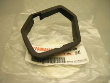 NEW ORIGINALI YAMAHA XT 550 XT 600 SPEEDOMETER rubber damper Speedo metri BRACKET