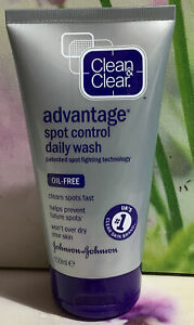 CLEAR & CLEAR ADVANTAGE SPOT CONTROL DAILY WASH 150 ML BRAND NEW.
