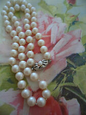 ANTIQUE VINTAGE PEARL HAND KNOTTED NECKLACE with OLD SILVER CLASP