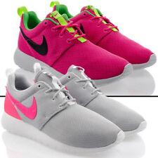 Baskets roshes roses Nike pour femme