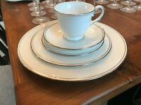 RETIRED LENOX FEDERAL PLATINUM 5 PIECE PLACE SETTINGS