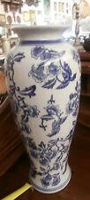 vaso in porcellana con decorazione