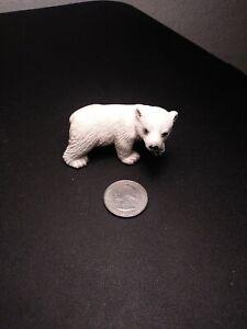2005 Schleich Polar Bear, Hard Rubber Toy Figure RETIRED
