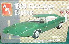 AMT 1969 DODGE DAYTONA PLASTIC MODEL KIT 1/25 SKILL LEVEL 2