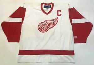 Vintage CCM Detroit Red Wings YZERMAN #19 NHL Hockey Jersey Men XL White Printed