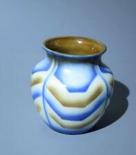 BUNZLAU --- Vase  ------ JULIUS PAUL & SOHN --- Feinsteinzeug ----- SPRITZDEKOR