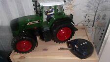 RC Traktor Fendt ferngesteuert von DICKIE 1:18