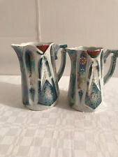 2 schöne antike Porzellan Milch-Kännchen weiß perlmut 12 cm Sahnekännchen