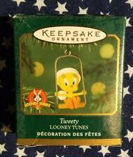 HALLMARK KEEPSAKE - MINIATURE TWEETY LONEY TUNES ORNAMENT - 2000