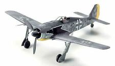 Avion militaires miniatures multicolore