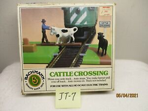 JT-7 Bachmann HO Cattle Crossing 1434