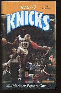 1976-77 NBA Basketball New York Knickerbockers Yearbook NRMT