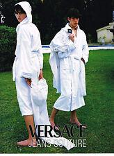 PUBLICITE ADVERTISING  1996   VERSACE JEANS COUTURE    peignoirs de bains