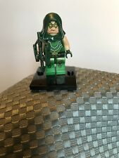 DC Universe LEGO Minifigure Superhero Green Arrow Comic Book Version, New