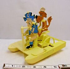 CAP'N CRUNCH CEREAL PADDLE BOAT PREMIUM TOY