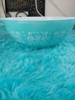 4 Qt Pyrex #444 Turquoise Blue Mixing Bowl Amish Butterprint Cinderella pre-owne