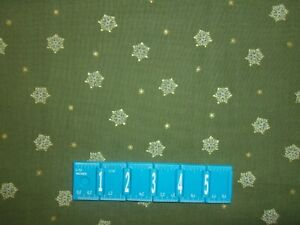 CLEARANCE 5 YARD Mistletoe Medallion Star Gold Green Andover Quilt Cotton Fabric