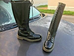 Dr Martens 1420 black smooth leather boots UK 8 EU 42 Made in Thailand 20 eye