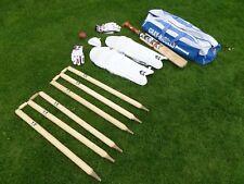Cricket Set. Borsa, Junior GM Bat, palla, GM pastiglie, GM Guanti, Scatola, GM moncherini.
