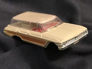 #1550 FORD COUNTRY SQUIRE WAGON 1962 * VIBRATOR * Vintage Aurora TJet 500