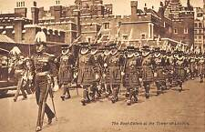 BR80483 the beef eaters at the tower of london military militaria  uk