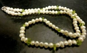 """Cream Seed Pearls & Green Peridot Gem Vintage Necklace Silver  Plated Clasp 14"""""""