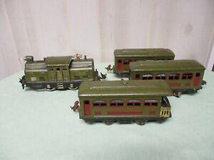 Vintage Pre-War O Gauge Lionel Green Locomotive ~ 3 Cars