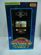 SUPER ASTRONAUT ROBOT WALKING  MULTI FUNCTIONS VINTAGE SPACE TOY