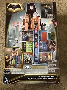 DC BATMAN V SUPERMAN ULTIMATE BATCAVE PLAYSET W/ EXCLUSIVE FIGURE NEW FREE S/H