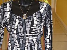 SUZANNE GRAE**size S(10-12)** Black/white/Grey Crossover Top!
