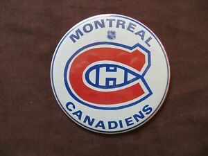 Montreal Canadiens Team Logo Pin Back Button Hockey Fan Souvenir