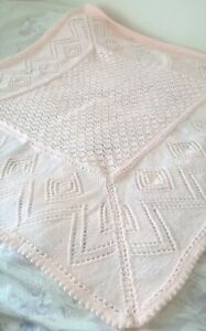 STUNNING HAND KNITTED BABY SHAWL/BLANKET 38 X 38 INS PEACH