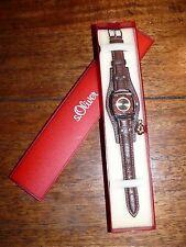 S.OLIVER trendy Quartz Armbanduhr Lederarmband Uhr Anhänger 1943D NEU & OVP