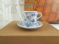 ROYAL COPENHAGEN PORCELLANA NEW BLUE FLUTED PLAIN ESPRESSO CUP & SAUCER FIRST