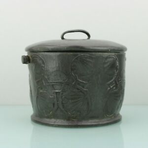 Art Nouveau pewter round box by English pewter Solkets. (Tudric Archibald Knox?)