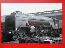 PHOTO  LNER THOMPSON CLASS A2 4-6-2 60512 STEADY AIM AT POLMADIE 18/4/65