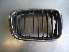 parrilla central delantero BMW 3 E46  320D 100kW M47 204D1 83029