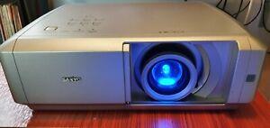 Sanyo PLV Z5 LCD projector 720p world multi voltage