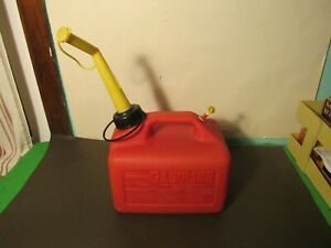 VINTAGE CRAFTSMAN GAS CAN 1 1/4 GALLONS GAL. VENTED OLD SCHOOL SEARS