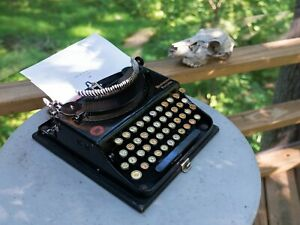 Vintage 1921 Remington Portable #1 Typewriter, works great, exceptional conditio