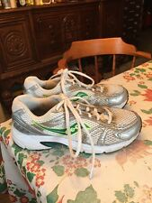 Saucony Oasis Women's White Leat. Silver Athletic Walking Running Shoes Size 6.5