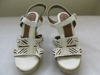 New Defects Women's Jaclyn Smith Tali Strappy Wedge Sandals 40550 White 68A pc