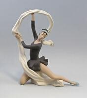 9956126 Porzellan Figur Bisquit Tänzerin mit Tuch Nao Lladro 30x10x37cm