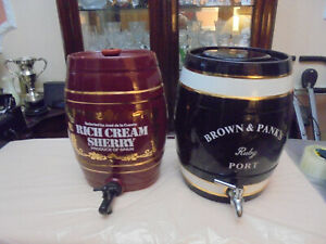 2 PORCELAIN SHERRY BARREL'S 1 BROWN & PANKS 1RICH CREAM SHERRY+WOODEN PRICE LIST