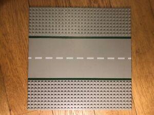 Lego 10 City Straßenplatten und 2 Weltraumstraßen (Kurven)