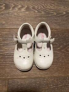 stride rite toddler girl size 6 Sandal So Cute Leather White Heart Design