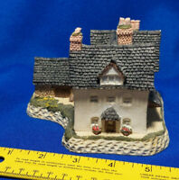 David Winter Benbow's Farmhouse Hereforshire Bristish Traditions VTG Village