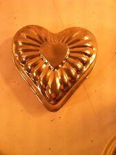 VINTAGE HEART SHAPED MOLD--TIN--JELLO / CAKE / DESSERT PAN----FREE SHIP--VGC